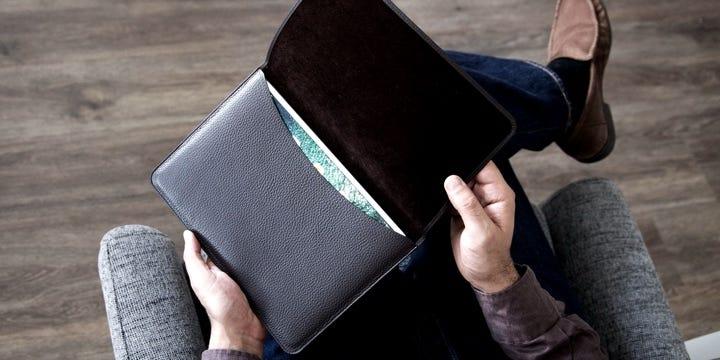 iPad 9.7 翻盖皮套 - 自然色 - 光滑皮革