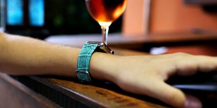 Apple Watch Series 5 表带 - (40 mm) - 绿松石色 - 鳄鱼皮风格小牛皮